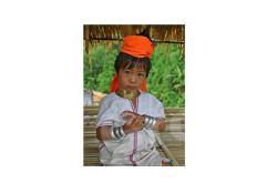 Женщины жирафы племени Падуанг