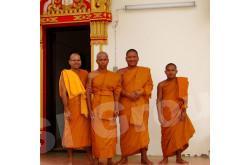 Буддийские монахи в Таиланде