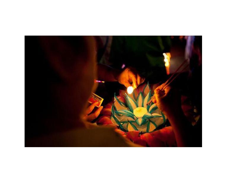 Праздник фонариков Лой Кратонг в Таиланде