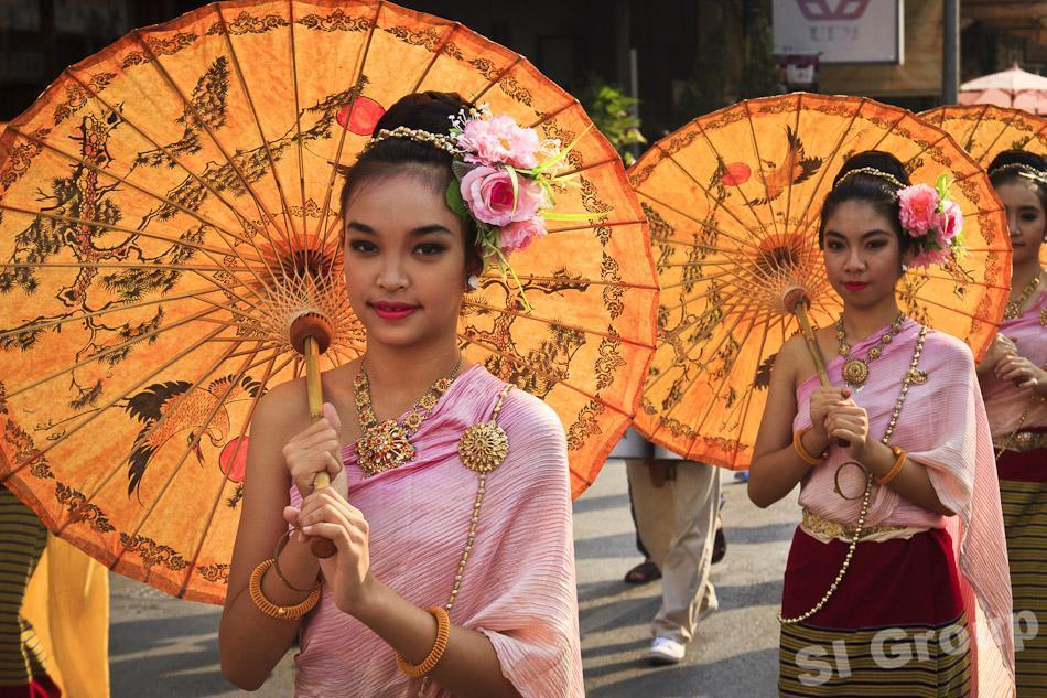 Фестиваль зонтиков в Тайланде