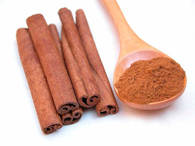Корица Cinnamon (Cinnamon zeylanicum) Thai : ob-choei Season: All year round Availability: dry seed end powder Packaging: Plastic bag and glass jar