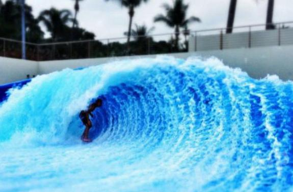 Искусственная волна на Пхукете Surf House