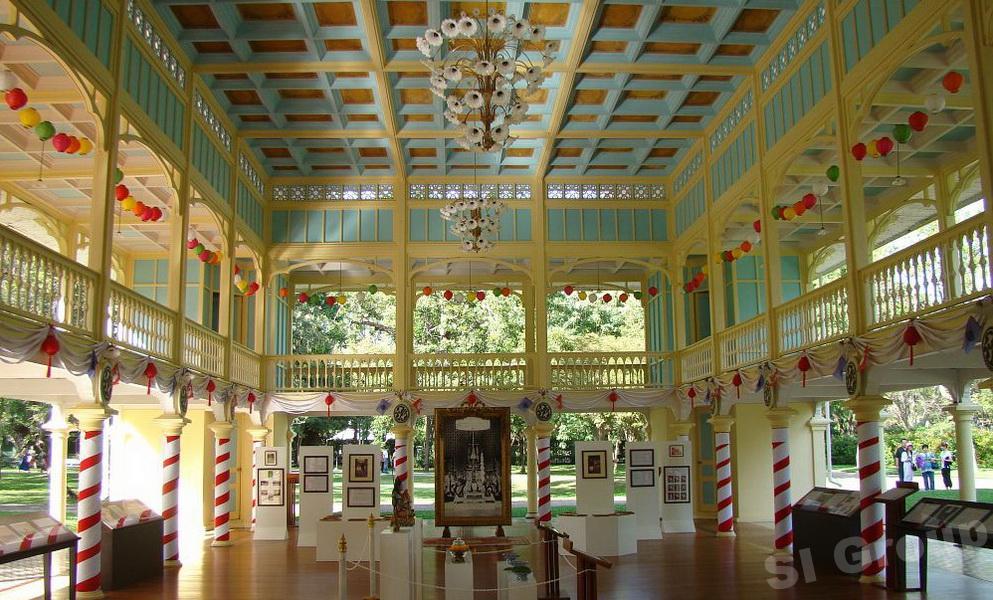 Достопримечательности Хуа Хина. Тиковый дворец Хуа Хин