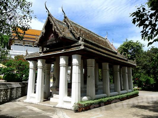 Traveling to Saraburi and Nakhon Ratchasima