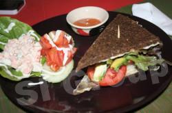 Ресторан для сыроедов на Пхукете Living Foof Cafe