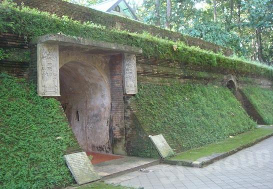 Храм Ват Умонг (Храм Wat Umong ) в Чианг Мае