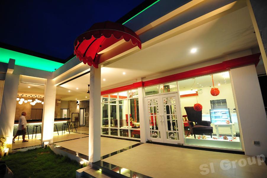 Пхукет рестораны: ресторан и бар Hang Around (пляжи Най Харн и Раваи)